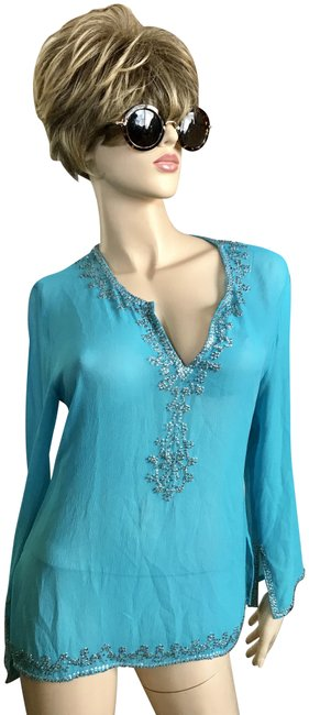 Preload https://img-static.tradesy.com/item/23143098/saks-fifth-avenue-bluesilver-silk-sequin-embellished-tunic-size-6-s-0-1-650-650.jpg