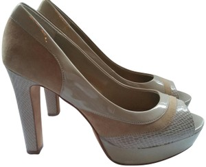 White House | Black Market Snakeskin Patent Leather Sole Peep Toe Taupe Pumps