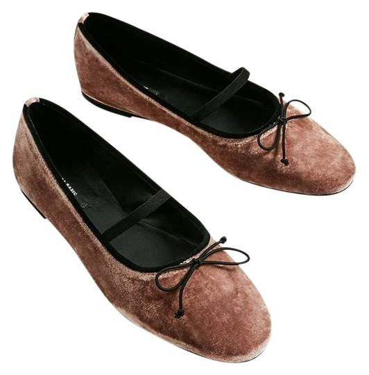 Preload https://img-static.tradesy.com/item/23143842/zara-nude-pink-velvet-ballerinas-with-bow-and-strap-new-flats-size-us-9-regular-m-b-0-1-540-540.jpg