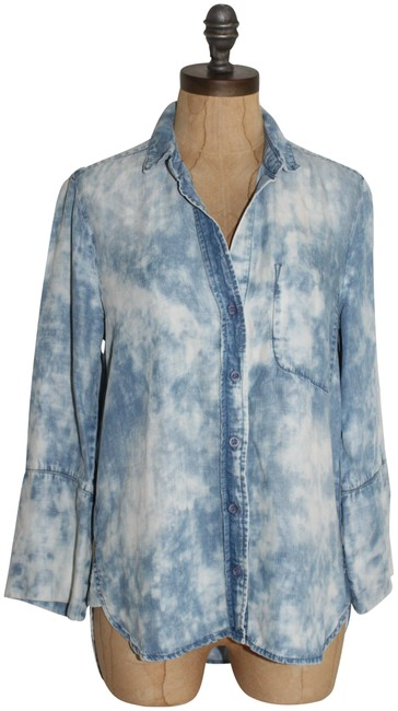 Preload https://img-static.tradesy.com/item/23143949/anthropologie-blue-acid-wash-cloth-and-stone-slouchy-chambray-shirt-button-down-top-size-2-xs-0-1-650-650.jpg