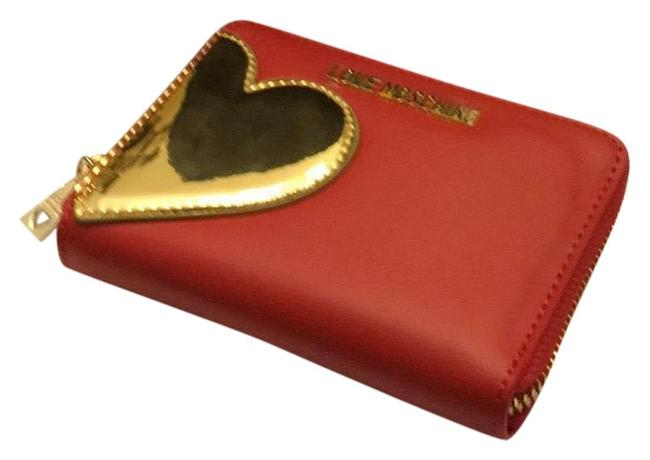 Moschino Red with Gold Heart Portafogli Calf Pu Rossi + Tpu Oro Wallet Moschino Red with Gold Heart Portafogli Calf Pu Rossi + Tpu Oro Wallet Image 1