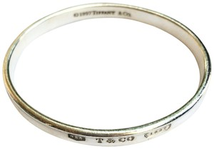 Tiffany & Co. 1837 Oval Bangle Small