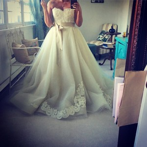 Lazaro Buttercup Tulle 3251 Formal Wedding Dress Size 4 (S)