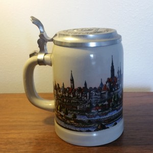 Munchen German Lidded Stein Barware