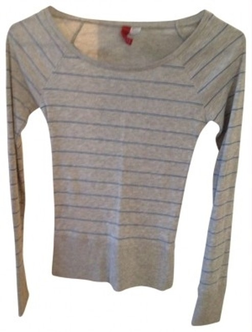 Preload https://item3.tradesy.com/images/h-and-m-grayblue-striped-long-sleeve-tee-shirt-size-4-s-23152-0-0.jpg?width=400&height=650