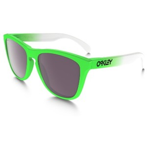 2cc77c7a986 Oakley Oakley Unisex Sunglasses OO9245-37 Green Fade Frame Prizm Daily Lens