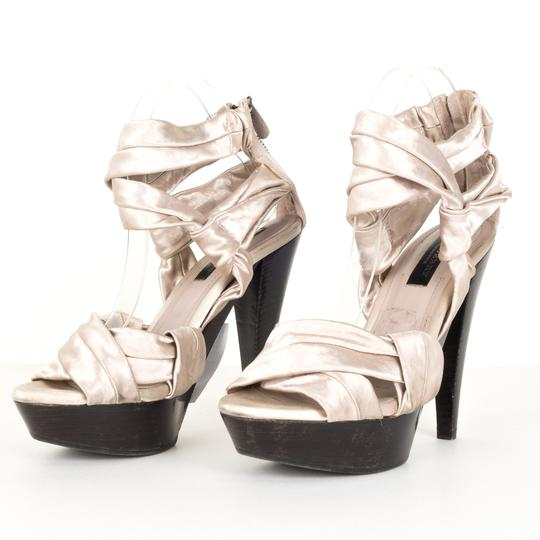 Burberry silver Pumps Image 2