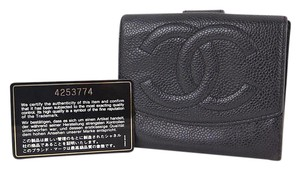 Chanel Chanel cc logos caviar black leather bifold wallet