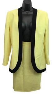 Genny Genny Black Trim Yellow Skirt Suit US 8 I 42