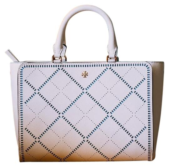 Preload https://img-static.tradesy.com/item/23157645/tory-burch-robinson-small-hatch-new-ivoryriviera-blue-tote-cross-body-bag-0-1-540-540.jpg