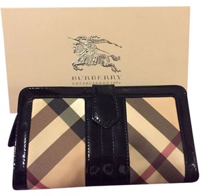 Burberry Like New Nova Check Wallet