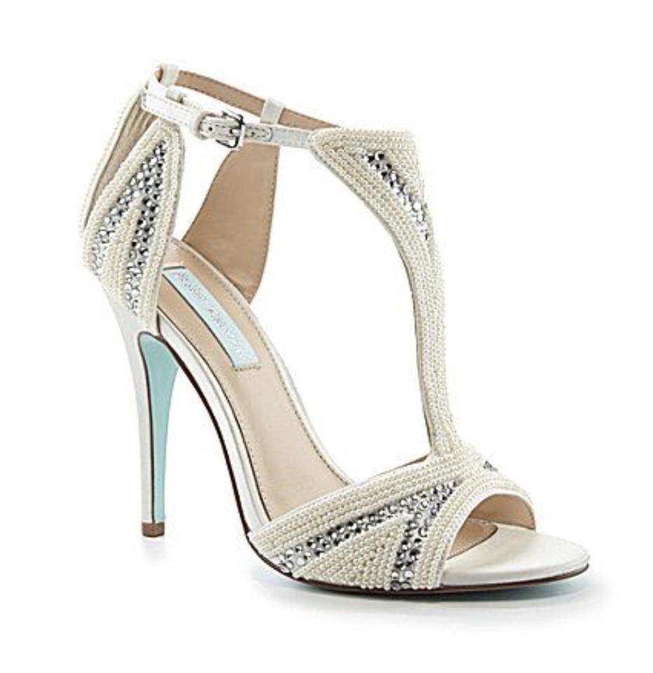 abe3fd73af0e Betsey Johnson Wedding Bride Dressy Prom Blue Ivory Satin Sandals Image 0  ...