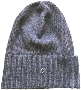Lululemon Lululemon Winter Beanie with ponytail holder
