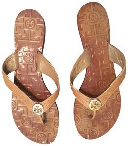 d149e4d35fc9 Tory Burch Sandals - Up to 90% off at Tradesy
