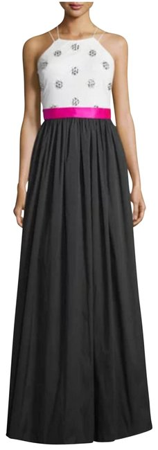 Item - Black/Ivory Ball Gown Long Formal Dress Size 10 (M)