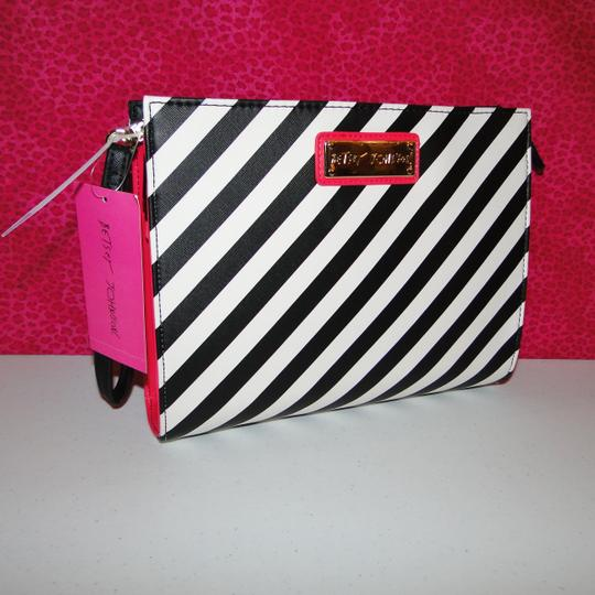 Betsey Johnson Lipstick Wristlet Cosmetic Bag Clutch Image 1