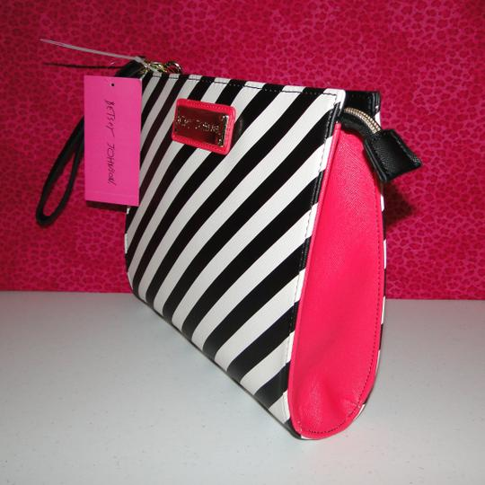 Betsey Johnson Lipstick Wristlet Cosmetic Bag Clutch Image 2