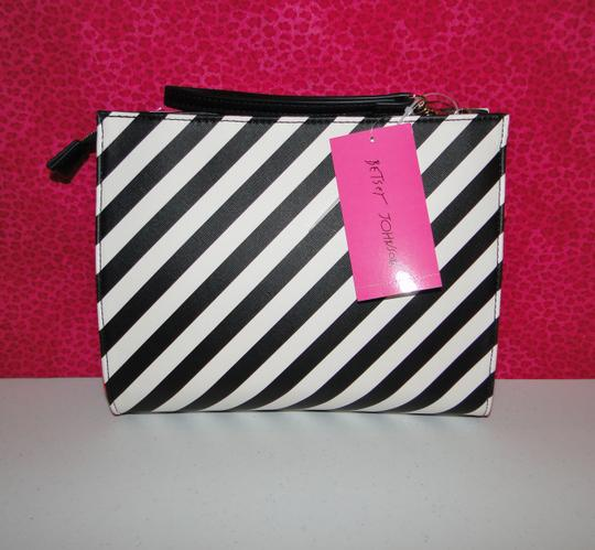Betsey Johnson Lipstick Wristlet Cosmetic Bag Clutch Image 4