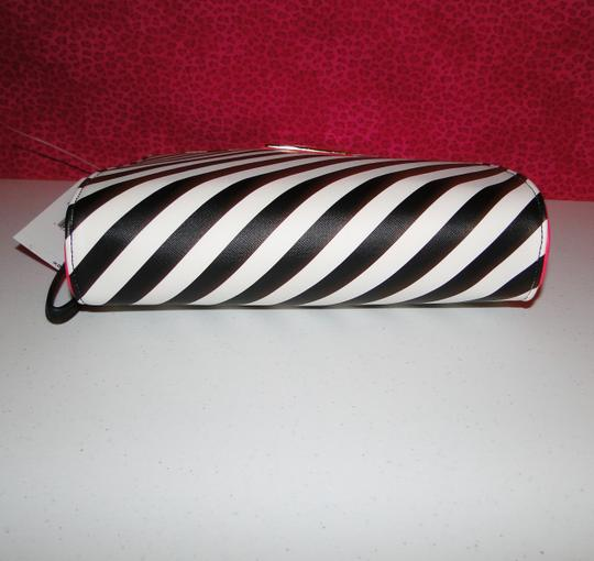 Betsey Johnson Lipstick Wristlet Cosmetic Bag Clutch Image 5