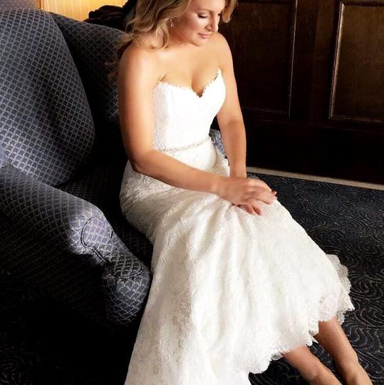 Bliss by Monique Lhuillier Lace Trumpet Feminine Wedding Dress Size 6 (S) Image 2