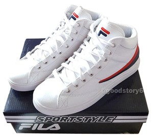 White Fila Sneakers Up to 90% off at Tradesy
