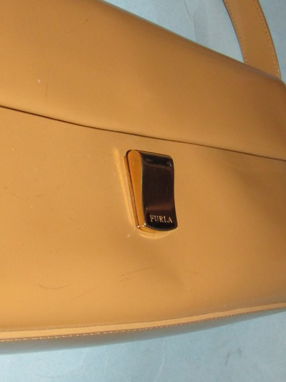 Furla Great Everyday Mint Vintage Dressy Or Casual Or Tan Color Early Style Shoulder Bag Image 3