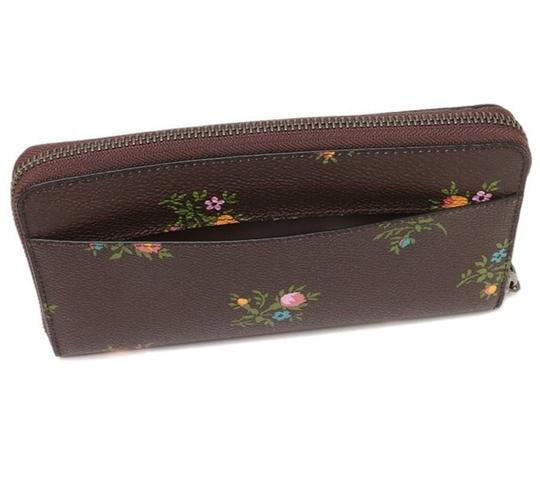 Coach Coach Accordion Zip Wallet With Cross Stitch Floral Print 22877 Image 2