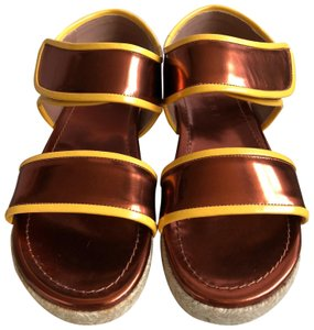Marni Leather Flat Classic Gold brown/Yellow Sandals