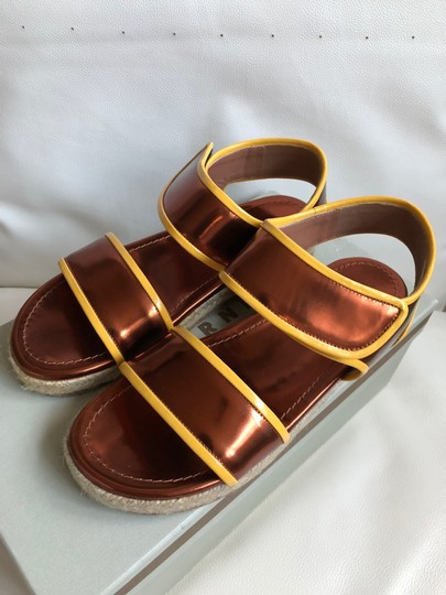 Marni Leather Flat Classic Gold brown/Yellow Sandals Image 2