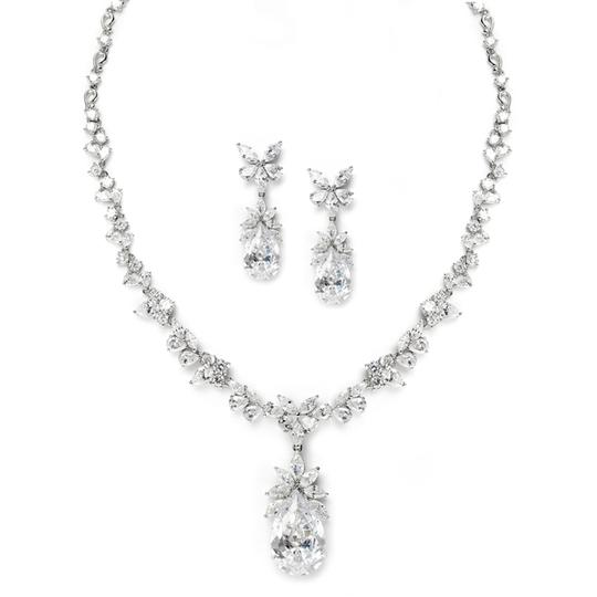 Preload https://item3.tradesy.com/images/other-glamorous-royal-crystal-pear-drop-jewelry-set-2316677-0-0.jpg?width=440&height=440