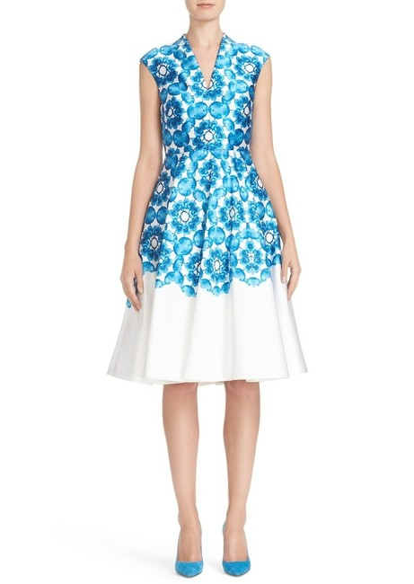 Preload https://img-static.tradesy.com/item/23166790/ted-baker-white-narisa-blue-midi-mid-length-night-out-dress-size-8-m-0-1-650-650.jpg