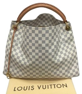 8a02001b3 Louis Vuitton Arsty Hobo Bags - Up to 70% off at Tradesy