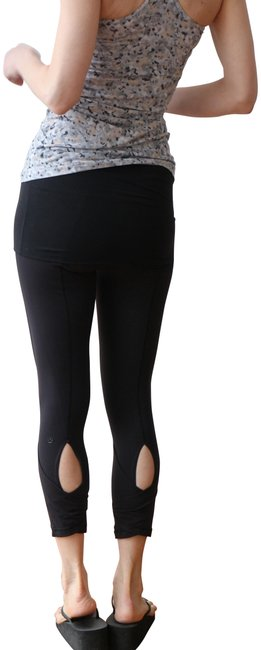 Preload https://img-static.tradesy.com/item/23166929/lululemon-black-dance-se-skirted-wunder-under-activewear-bottoms-size-6-s-28-0-2-650-650.jpg