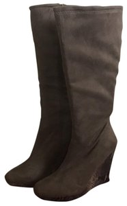 """Impo """"Smokey taupe"""" - looks gray against most clothing Boots"""
