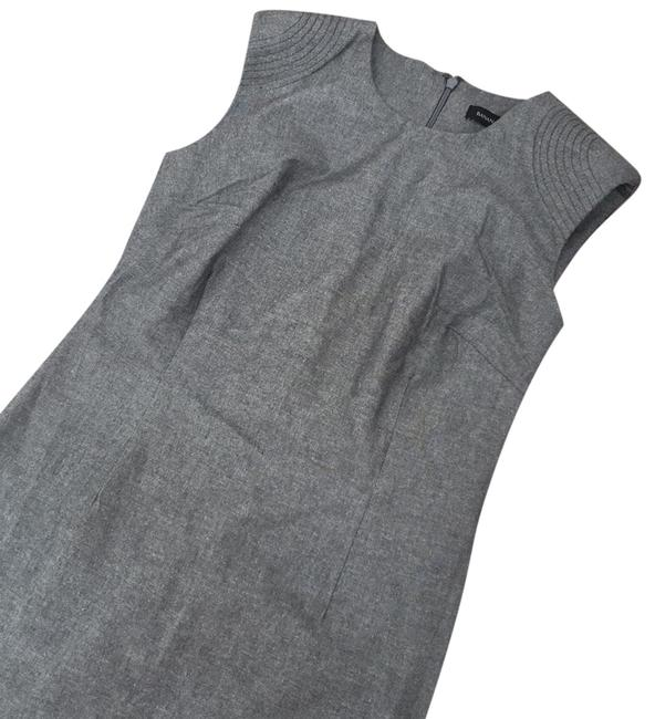 Preload https://img-static.tradesy.com/item/23167716/banana-republic-perfect-for-the-workplace-and-washed-once-must-have-staple-mid-length-workoffice-dre-0-1-650-650.jpg