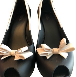 Melissa black with white Wedges