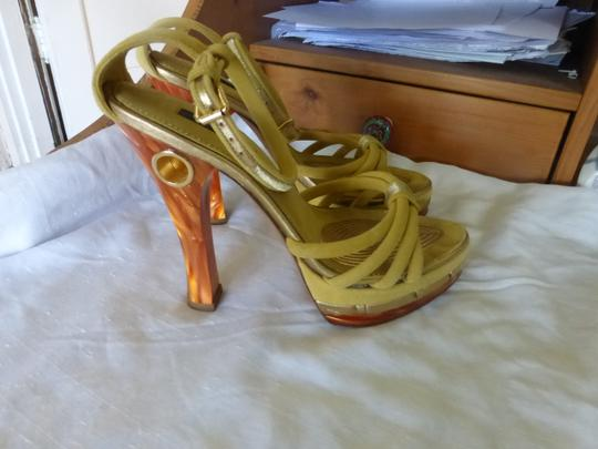 Louis Vuitton MUSTARD YELLOW TOP & BROWN HEELS Platforms Image 3