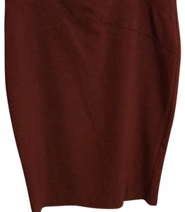 New York & Company 64%polyester 32%rayon 4%spandex Stylish Comfortable Skirt Maroon
