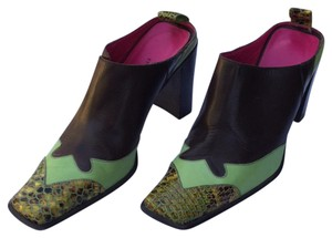 Ettore Braccini Dark brown, apple green with an embossed toe cap of yellow, green and brown. The lining is hot pink leather. Mules