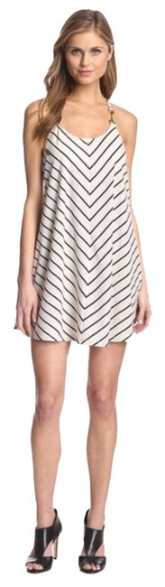 Preload https://item1.tradesy.com/images/julie-brown-white-and-navy-short-casual-dress-size-4-s-2317040-0-0.jpg?width=400&height=650