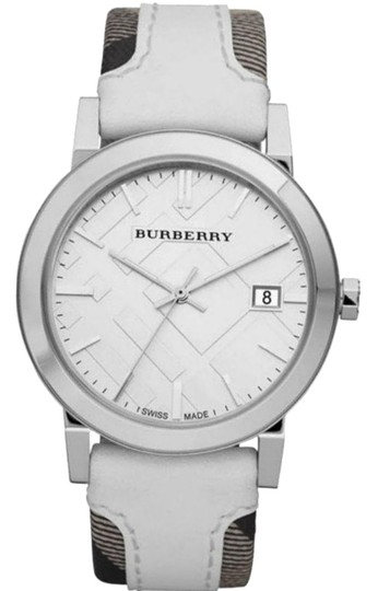 Preload https://img-static.tradesy.com/item/23174172/burberry-large-check-leather-fabric-women-s-bu9019-watch-0-1-540-540.jpg
