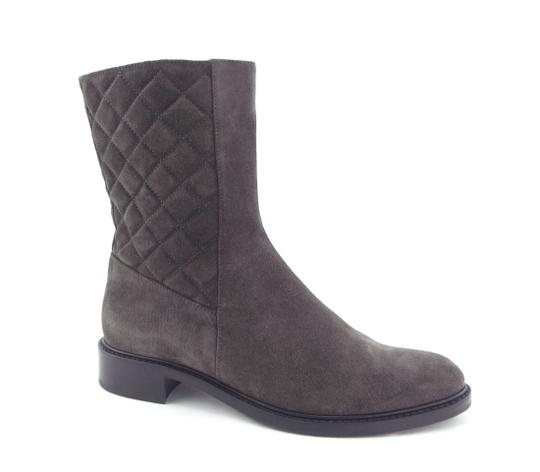 Preload https://img-static.tradesy.com/item/23174248/aquatalia-gray-quilted-suede-leather-bootsbooties-size-us-85-regular-m-b-0-0-540-540.jpg