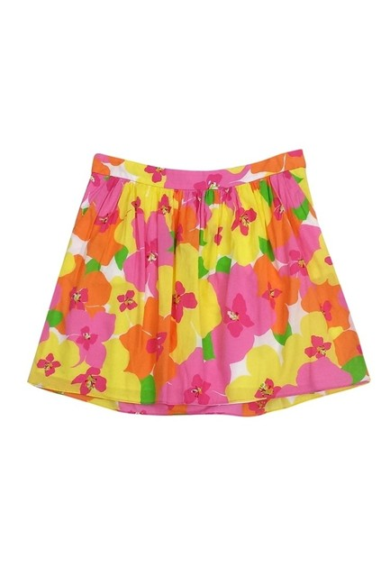 Preload https://item3.tradesy.com/images/lilly-pulitzer-pink-miniskirt-size-6-s-23174322-0-0.jpg?width=400&height=650