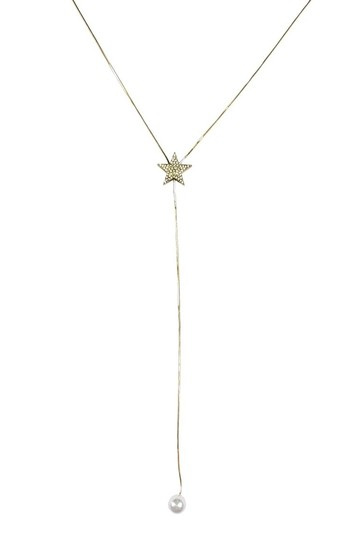 Preload https://item4.tradesy.com/images/gold-necklace-23174613-0-0.jpg?width=440&height=440