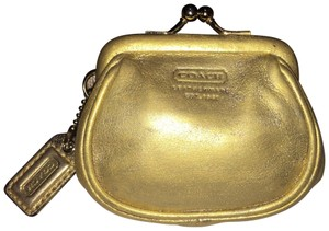 Coach Kiss lock Change Purse
