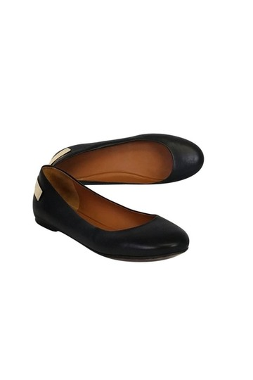 Preload https://item1.tradesy.com/images/givenchy-black-flats-size-us-75-regular-m-b-23174835-0-0.jpg?width=440&height=440