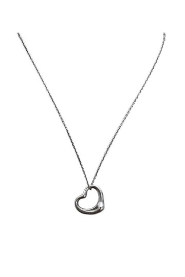 Preload https://item3.tradesy.com/images/tiffany-and-co-silver-necklace-23174932-0-0.jpg?width=440&height=440