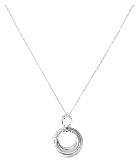 Preload https://item4.tradesy.com/images/silver-circle-pendant-necklace-23175028-0-1.jpg?width=440&height=440