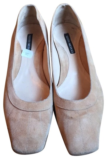 Preload https://img-static.tradesy.com/item/23175354/sesto-meucci-light-tan-suede-flats-size-eu-41-approx-us-11-regular-m-b-0-1-540-540.jpg