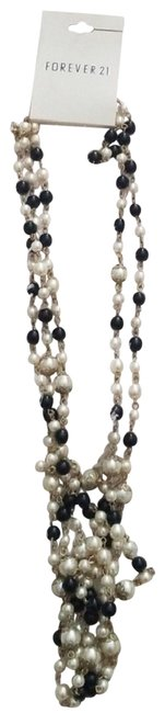 Item - Faux Pearl Black and White Necklace Bracelet